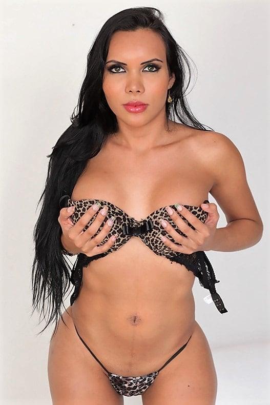 Lizzy Laynez